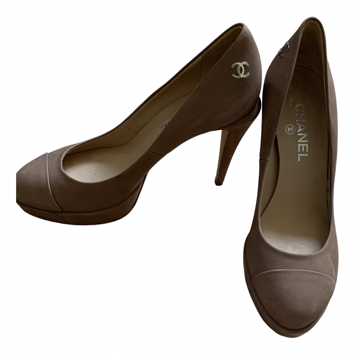 Chanel \N Pumps in  Beige Veloursleder