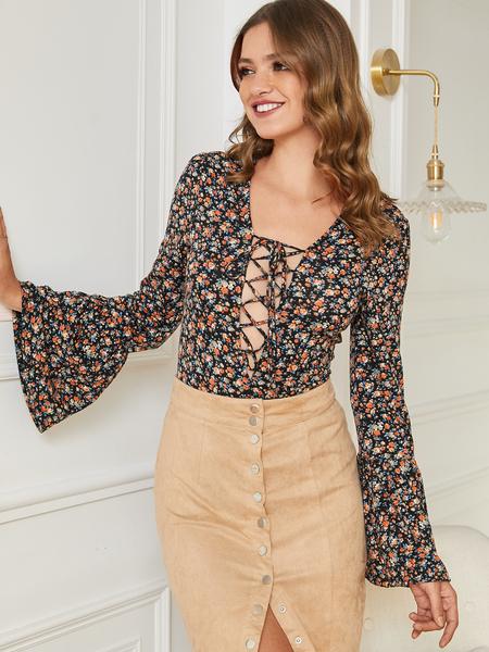 Yoins Black Lace-up Design Floral Deep V Neck Bell Sleeves Blouse