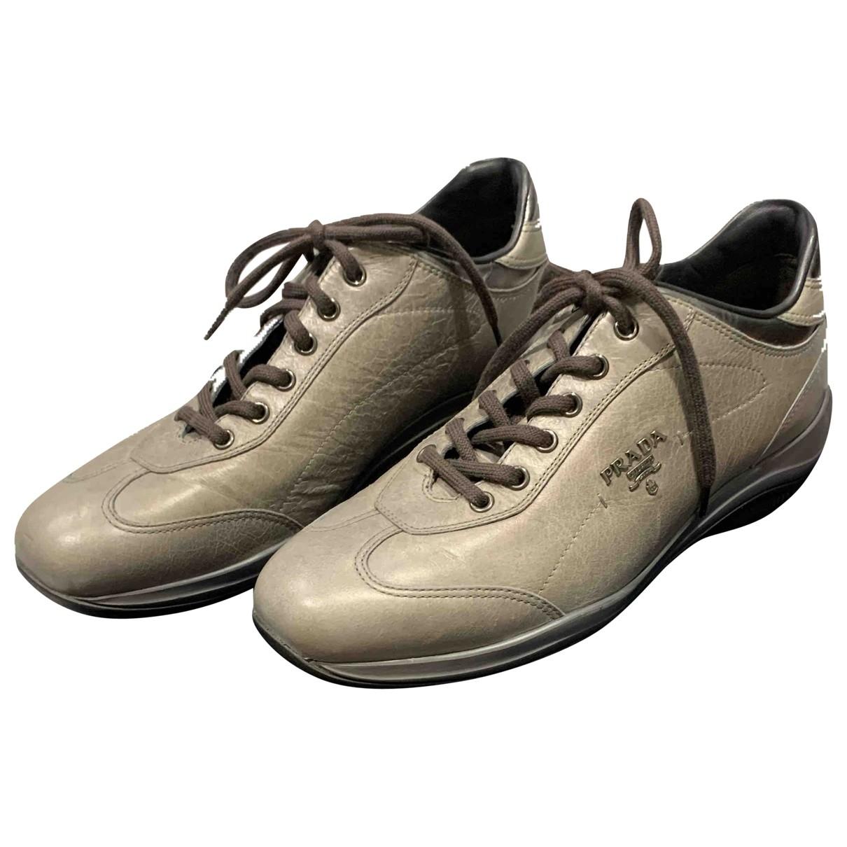 Prada \N Sneakers in  Grau Leder
