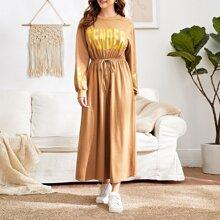 Kleid mit Buchstaben Grafik und Knoten vorn