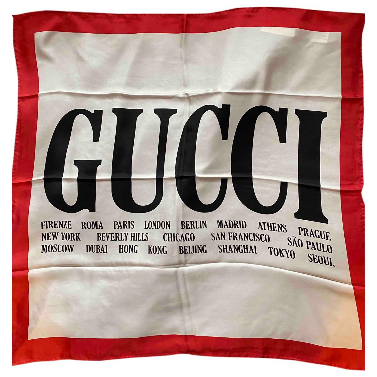 Gucci \N Tuecher in  Beige Seide