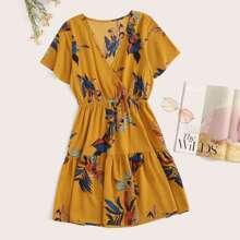 Kleid mit Ruesche und Blumenmuster