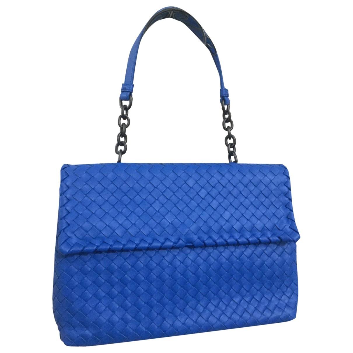 Bottega Veneta Olimpia Handtasche in  Blau Leder