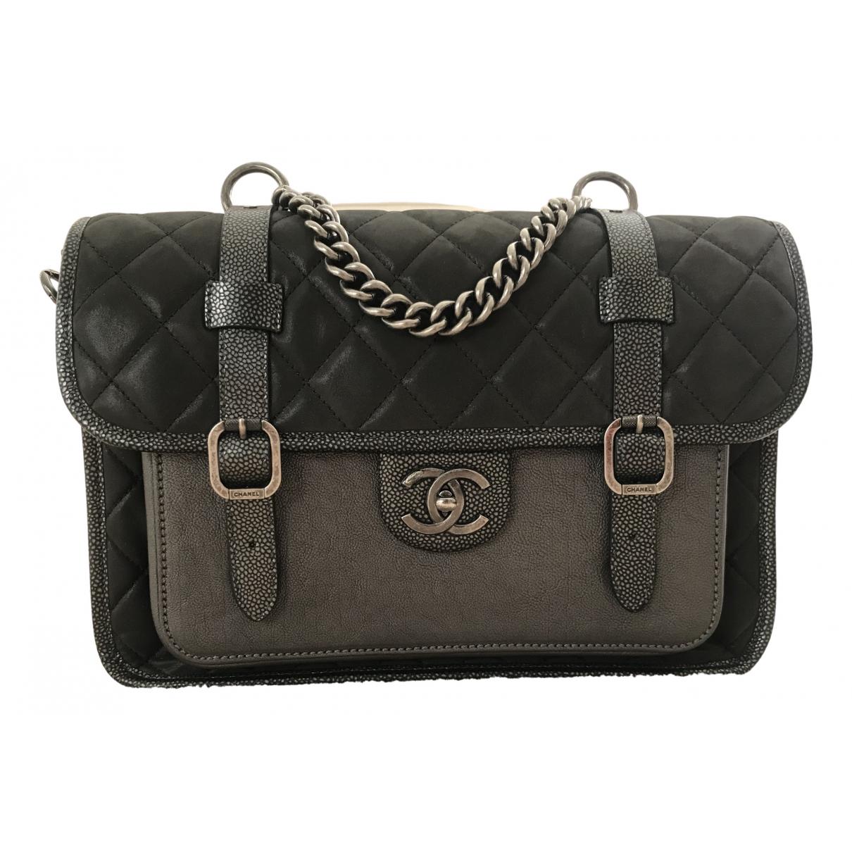 Chanel N Khaki Leather handbag for Women N