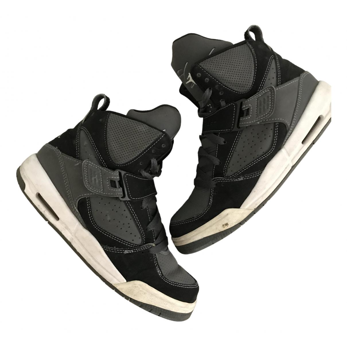 Jordan \N Sneakers in  Grau Lackleder