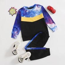 Outfits dos piezas para niño pequeño Galaxia Casual