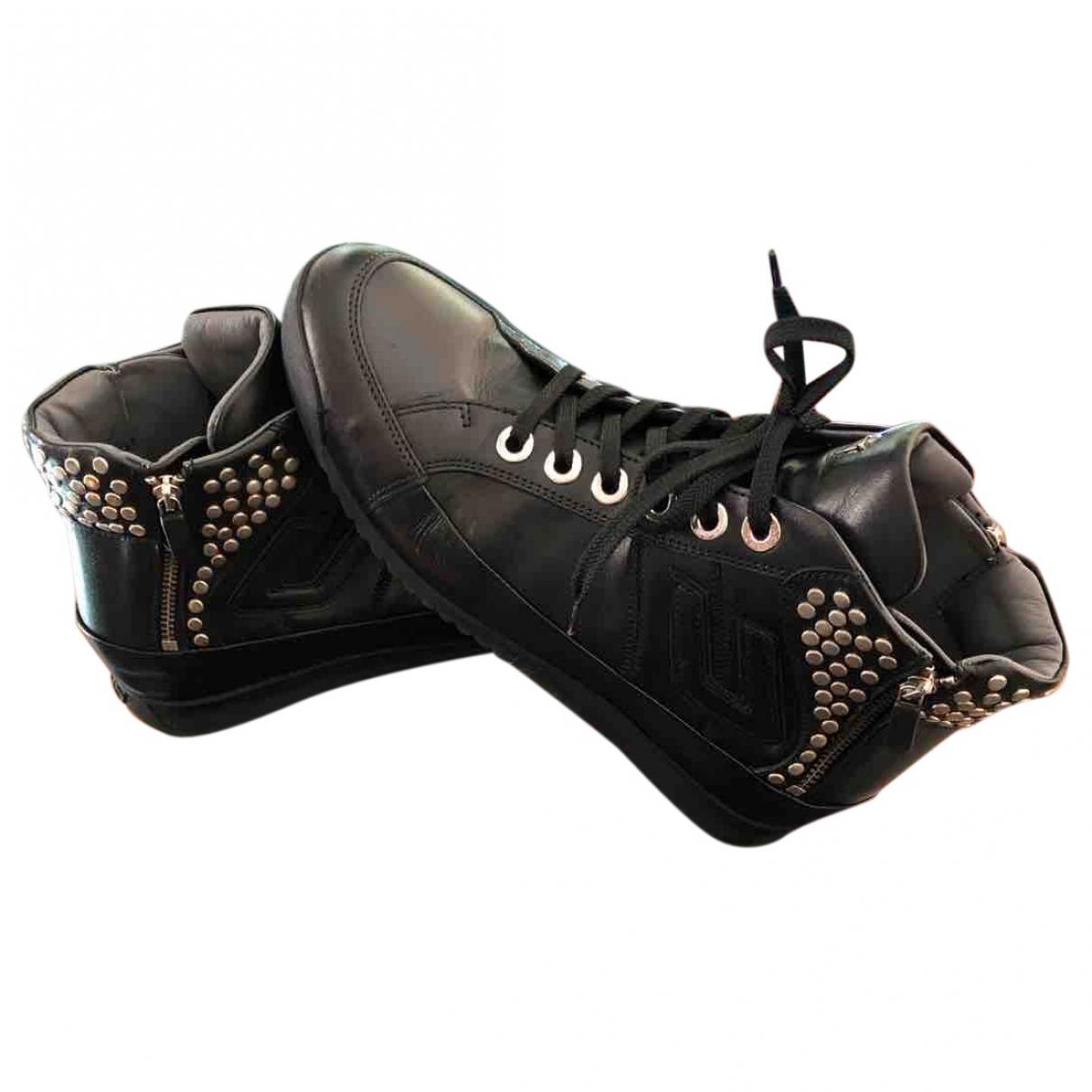 Cesare Paciotti \N Sneakers in  Schwarz Leder