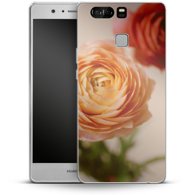 Huawei P9 Silikon Handyhuelle - She Loved Flowers von Joy StClaire