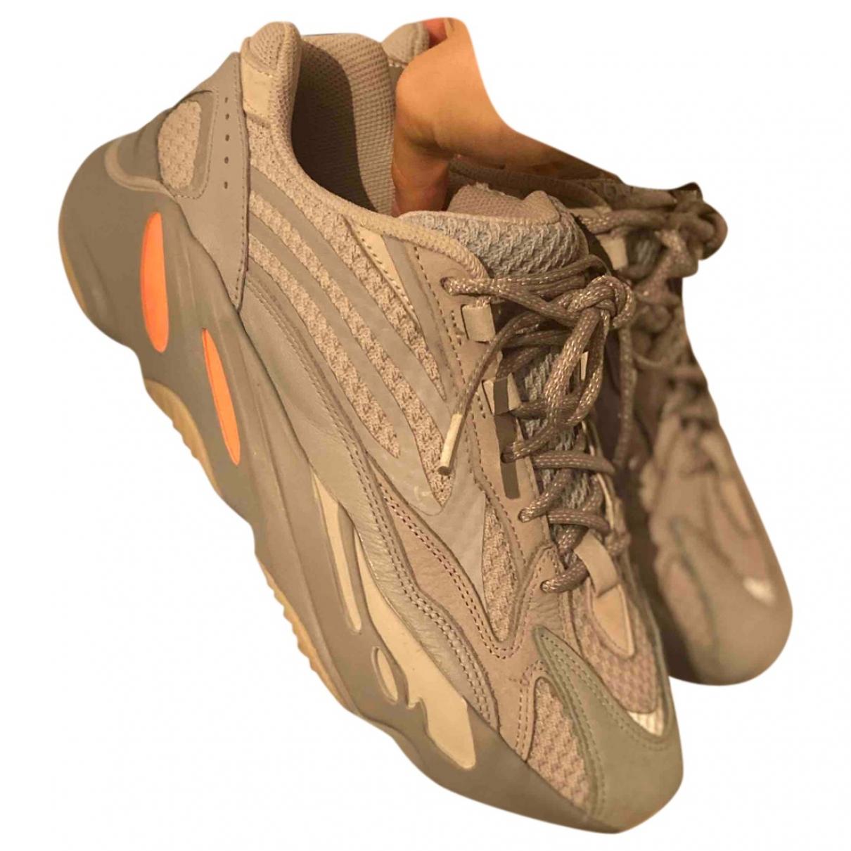 Yeezy X Adidas - Baskets Boost 700 V2 pour homme en suede - gris