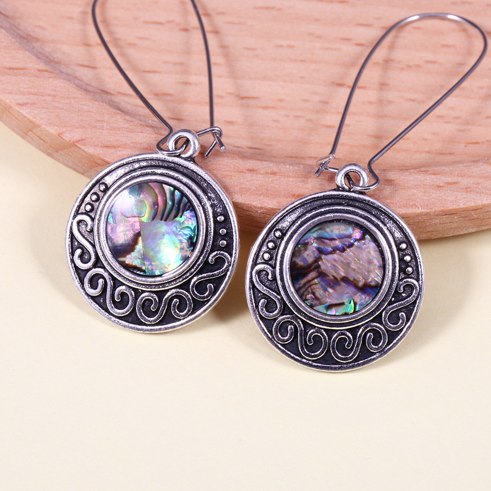 Retro Handmade Shell Earrings Long Style Round Shape Pendant Earrings For Women
