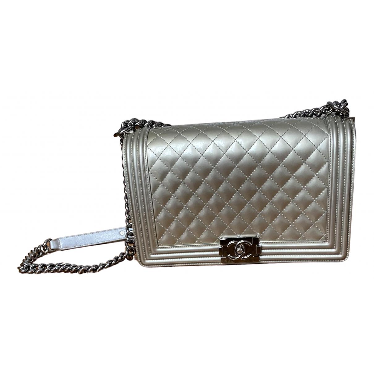 Chanel Boy Handtasche in  Metallic Lackleder