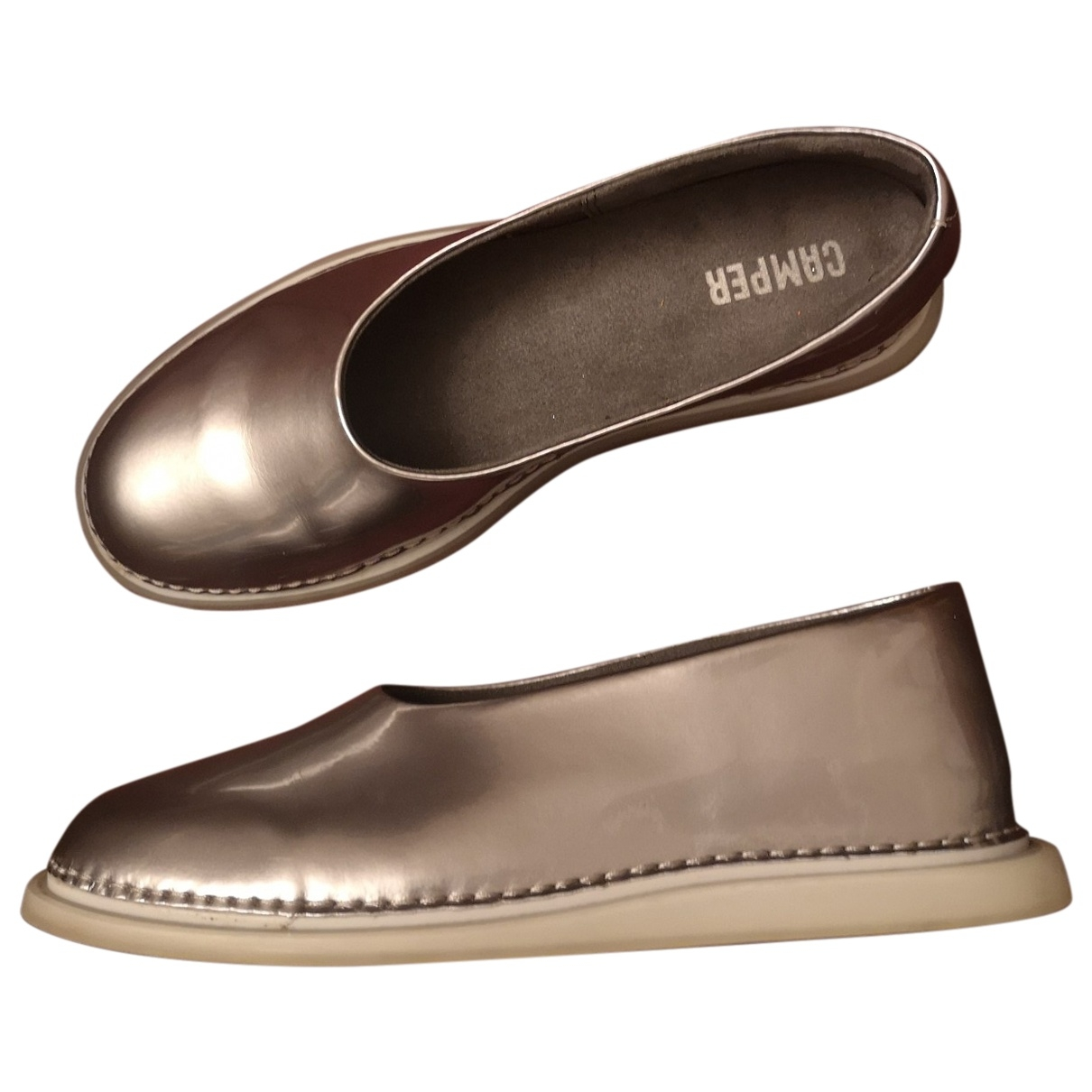 Camper \N Silver Patent leather Flats for Women 40 EU