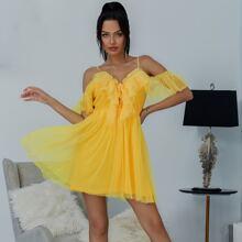 Eilly Bazar vestido con malla ribete fruncido con cordon de hombros descubiertos amarillo neon