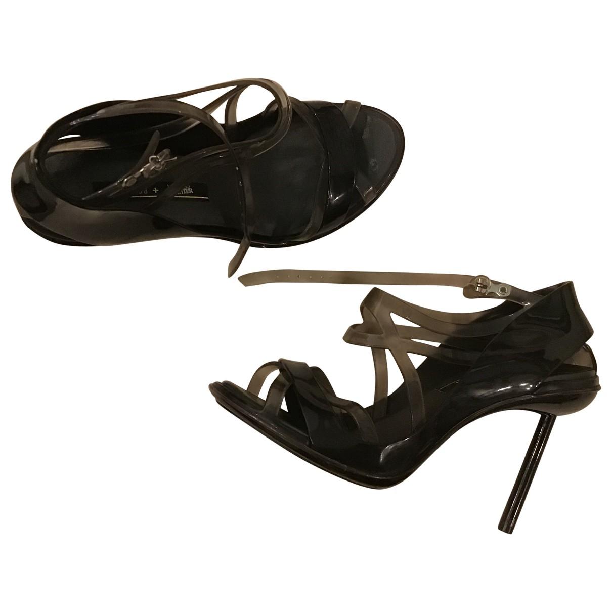 Jean Paul Gaultier \N Sandalen in  Schwarz Kunststoff