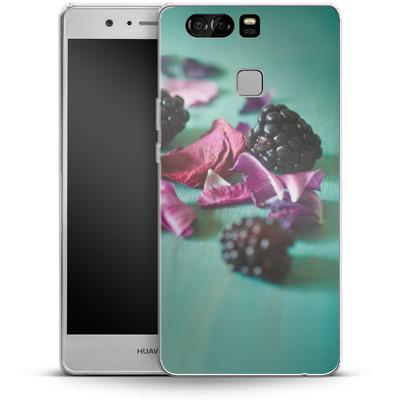Huawei P9 Silikon Handyhuelle - Stills Flowers Fruit von Joy StClaire