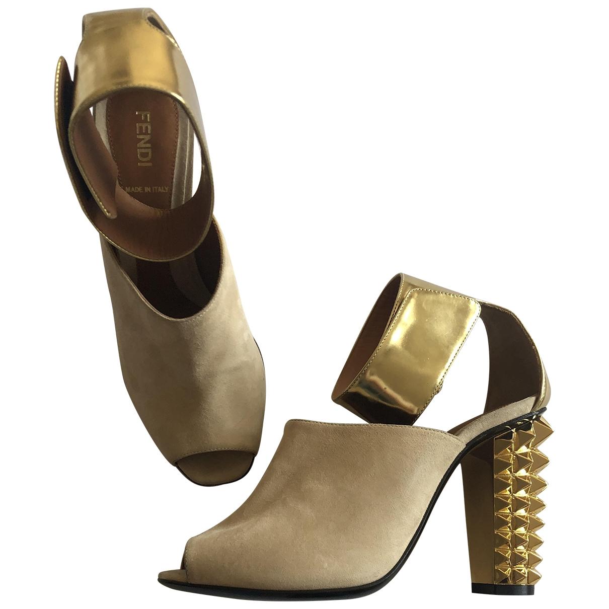 Fendi - Sandales   pour femme en suede - dore
