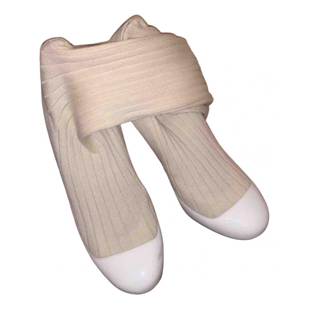 Chanel - Escarpins   pour femme en cuir verni - blanc