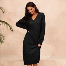 Pullover Kleid mit V Kragen und sehr tief angesetzter Schulterpartie