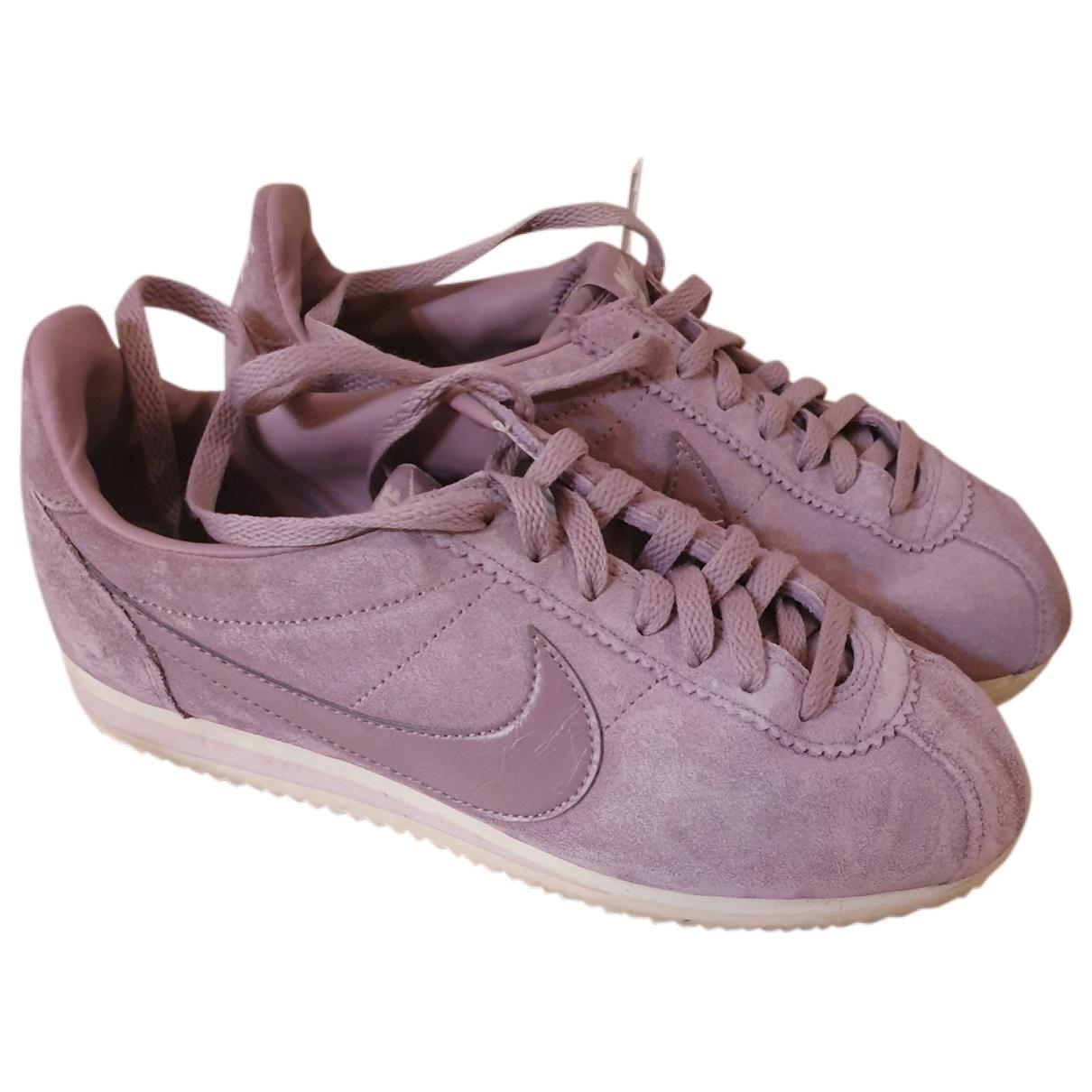 Nike Cortez Sneakers in Samt