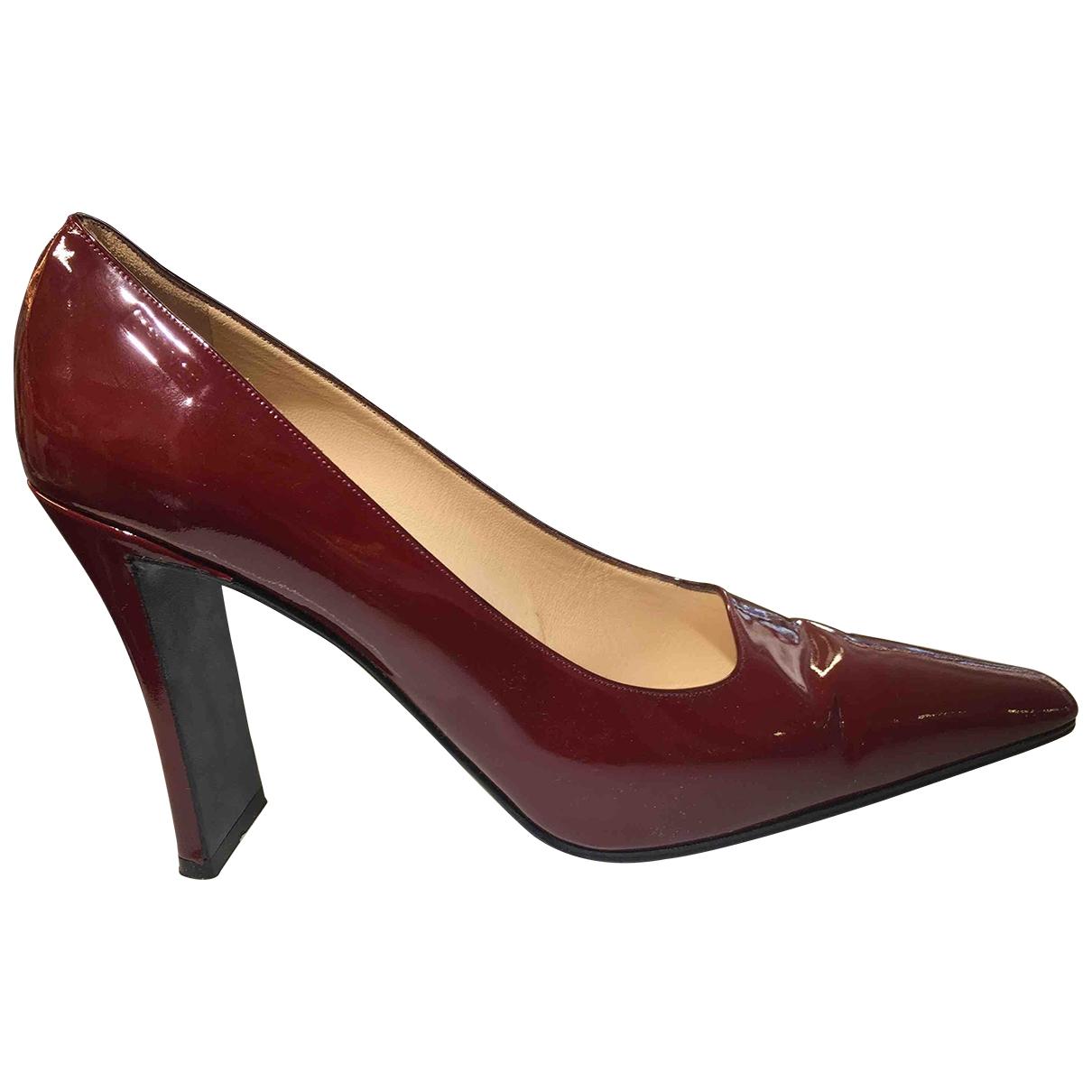 Chanel - Escarpins   pour femme en cuir verni - bordeaux