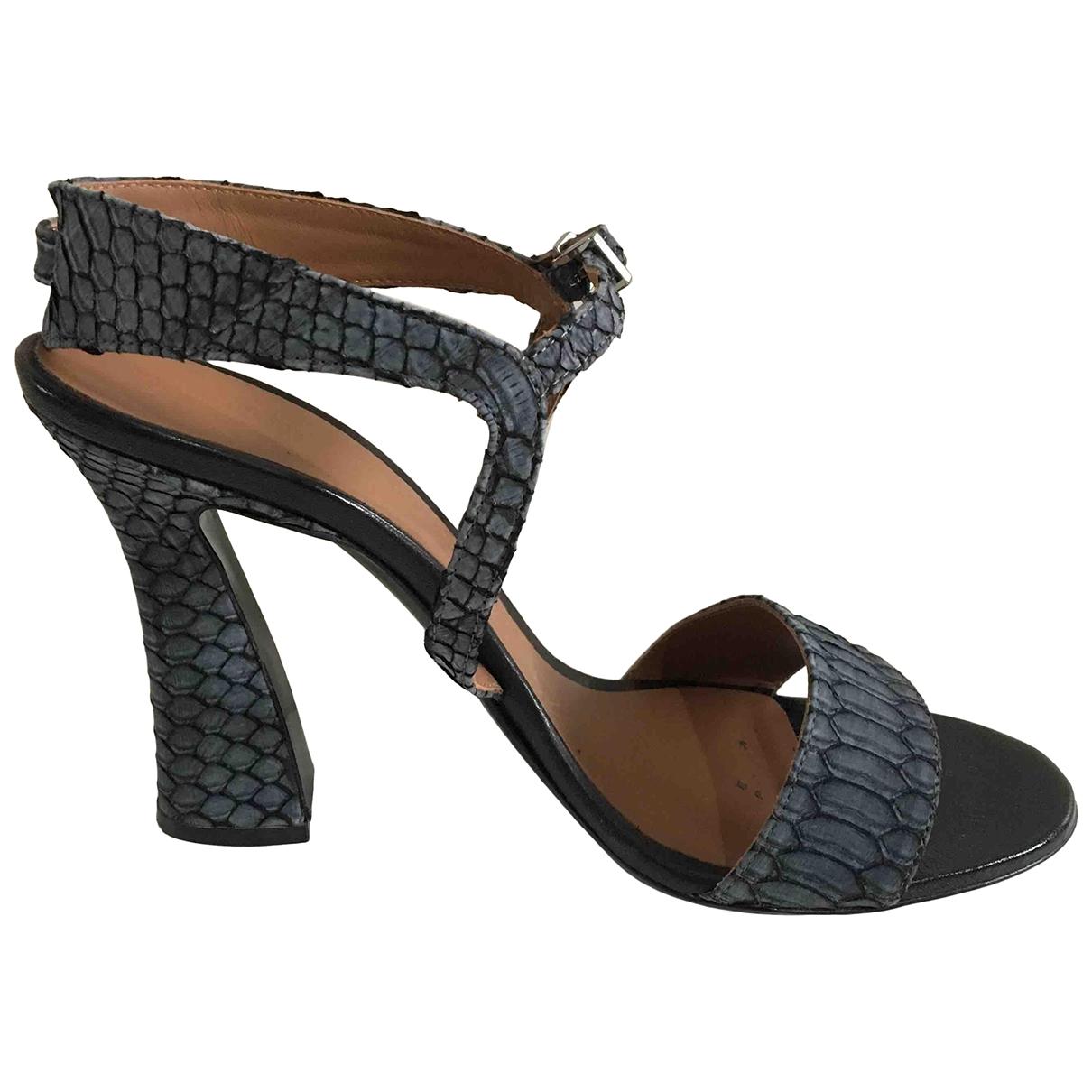 Emporio Armani - Sandales   pour femme en python - gris