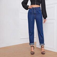 Jeans mit hoher Taille, Guertel und geradem Beinschnitt