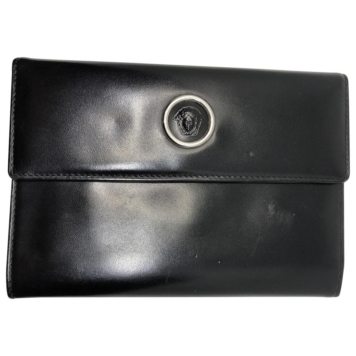 Gianni Versace \N Portemonnaie in  Schwarz Leder