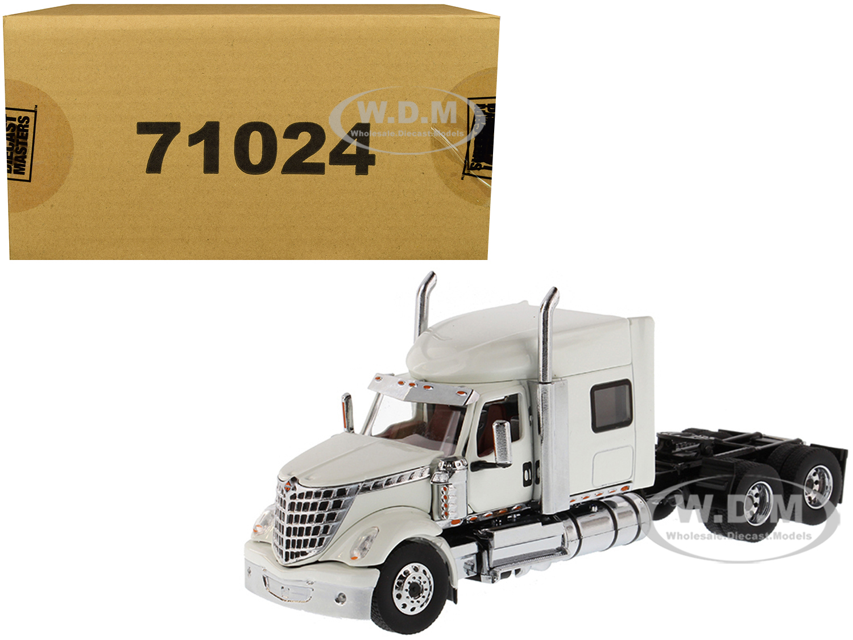 International LoneStar Sleeper Cab Truck Tractor White 1/50 Diecast Model by Diecast Masters