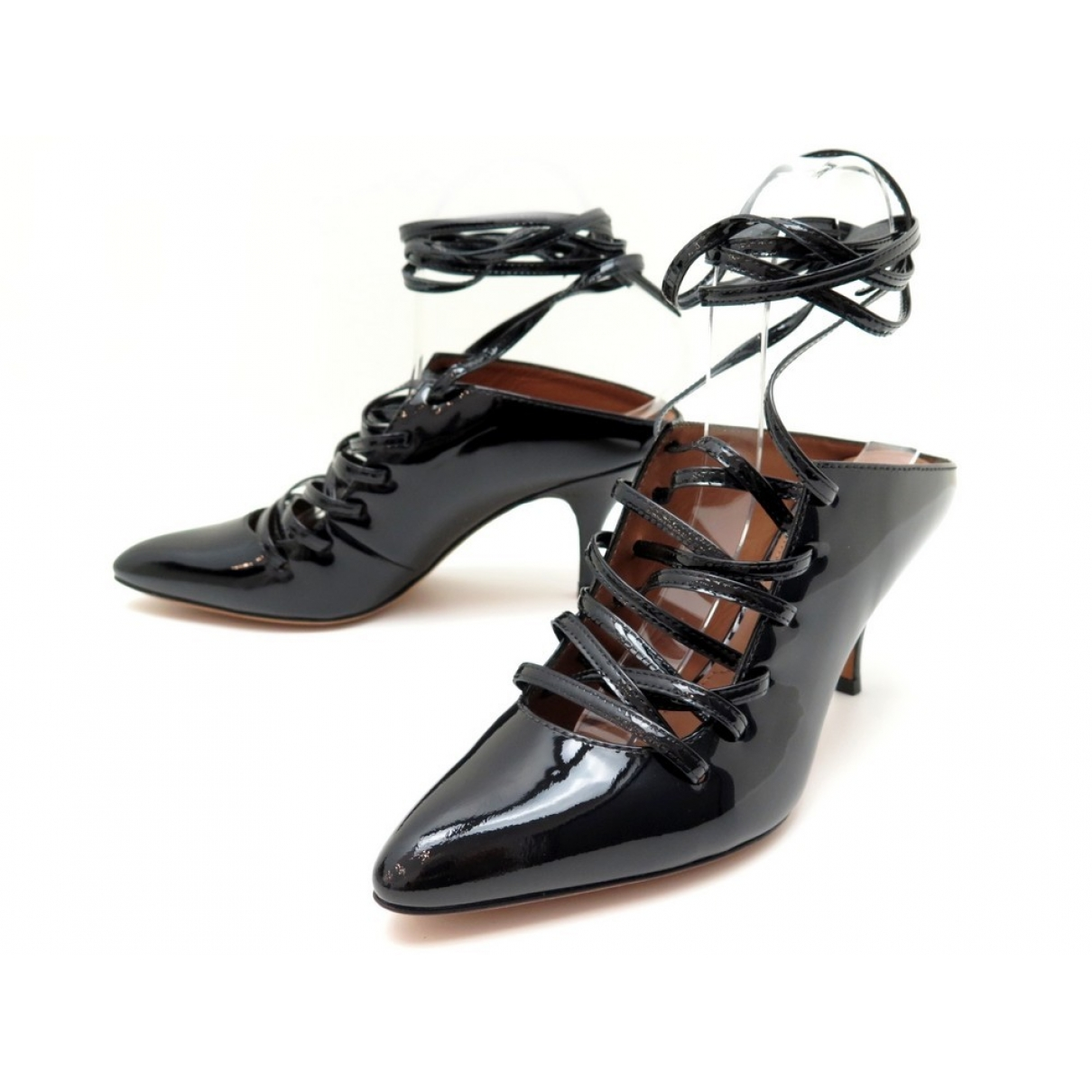 Givenchy \N Pumps in  Schwarz Lackleder