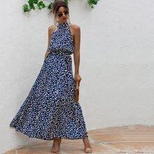 Kleid mit ueberallem Muster, Guertel und Neckholder