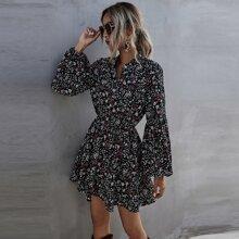 A-Linie Kleid mit Knopfen vorn und Blumen Muster