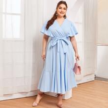 Kleid mit V Kragen und Selbstguertel