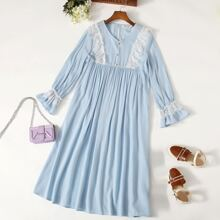 Girls Buttoned Front Lace Trim Smock Nightdress