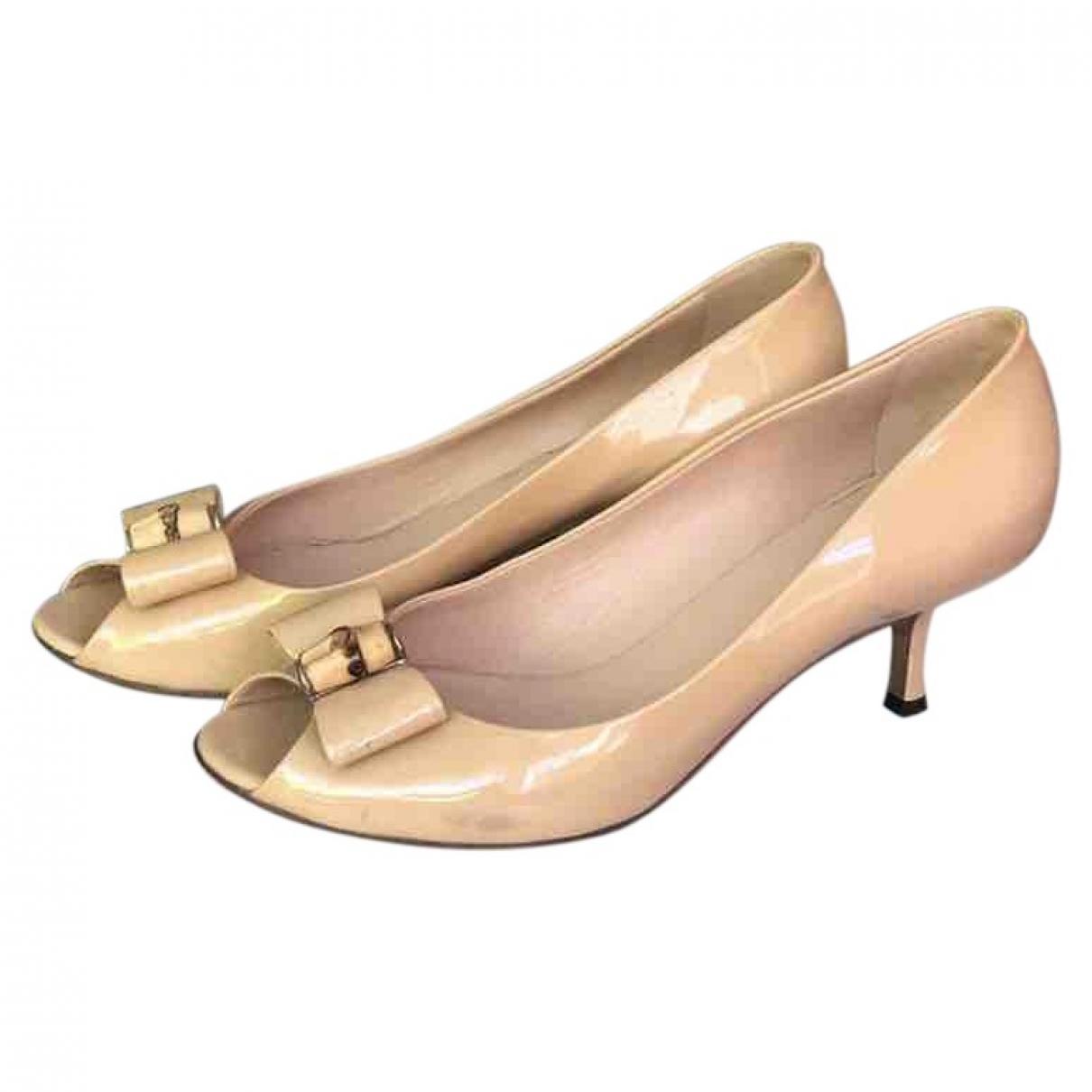 Gucci \N Beige Patent leather Heels for Women 37 EU