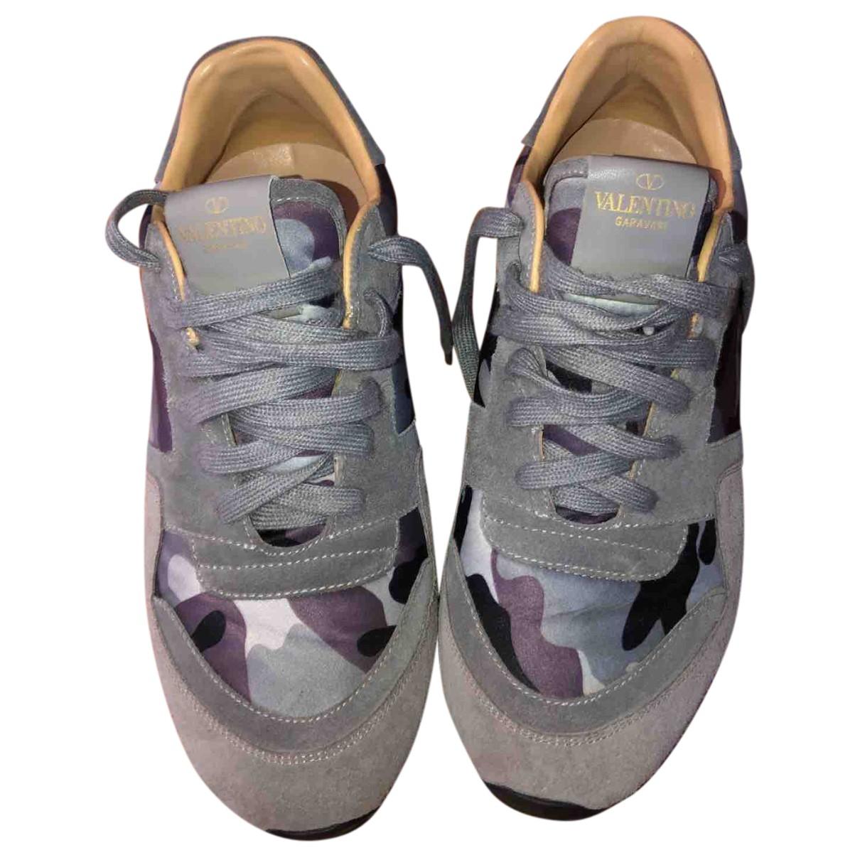 Valentino Garavani \N Sneakers in  Grau Veloursleder