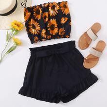 Bandeau mit Sonnenblumen Muster und Ruesche & Shorts mit Papiertasche