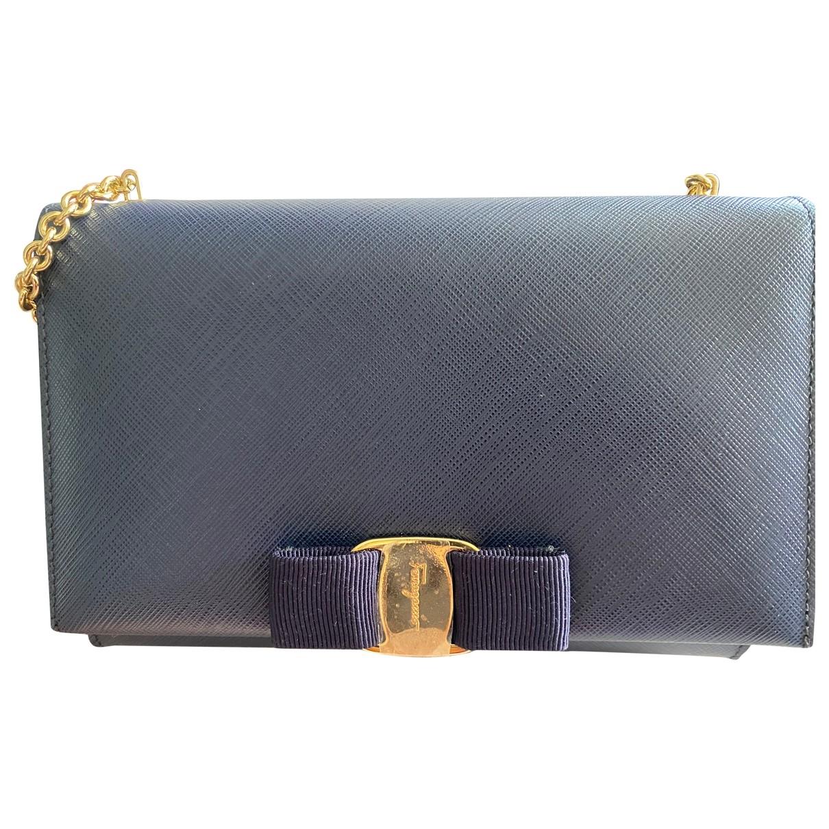 Salvatore Ferragamo \N Blue Leather Clutch bag for Women \N