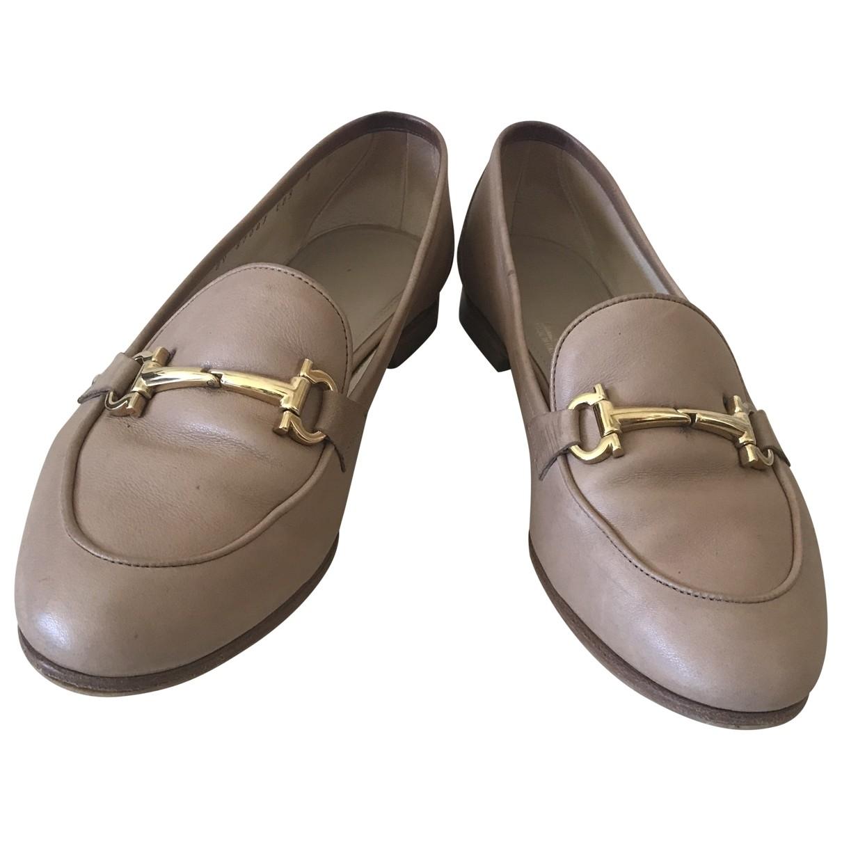 Salvatore Ferragamo \N Beige Leather Flats for Women 38.5 EU