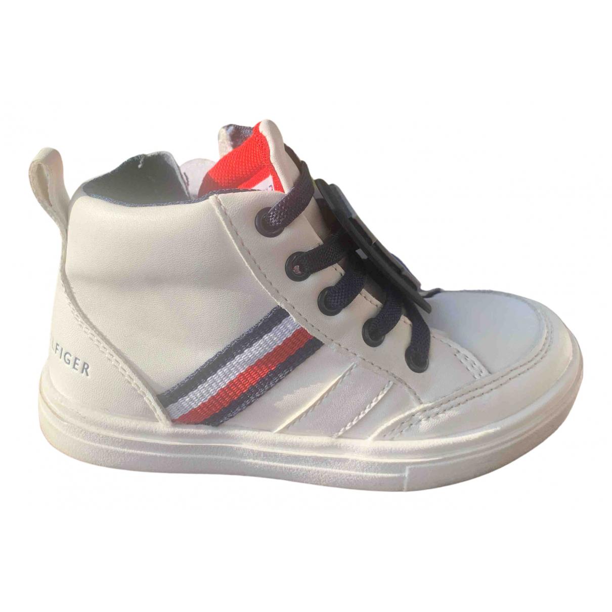 Tommy Hilfiger \N Sneakers in  Weiss Kunststoff