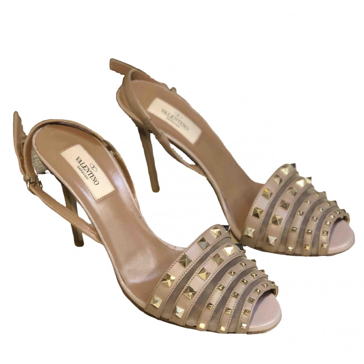 Valentino Garavani Rockstud Pink Leather Sandals for Women 39 IT