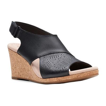 Clarks Womens Lafley Joy Wedge Sandals, 6 Wide, Black