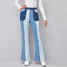 Jeans mit hoher Taille, Farbblock und ausgestelltem Beinschnitt