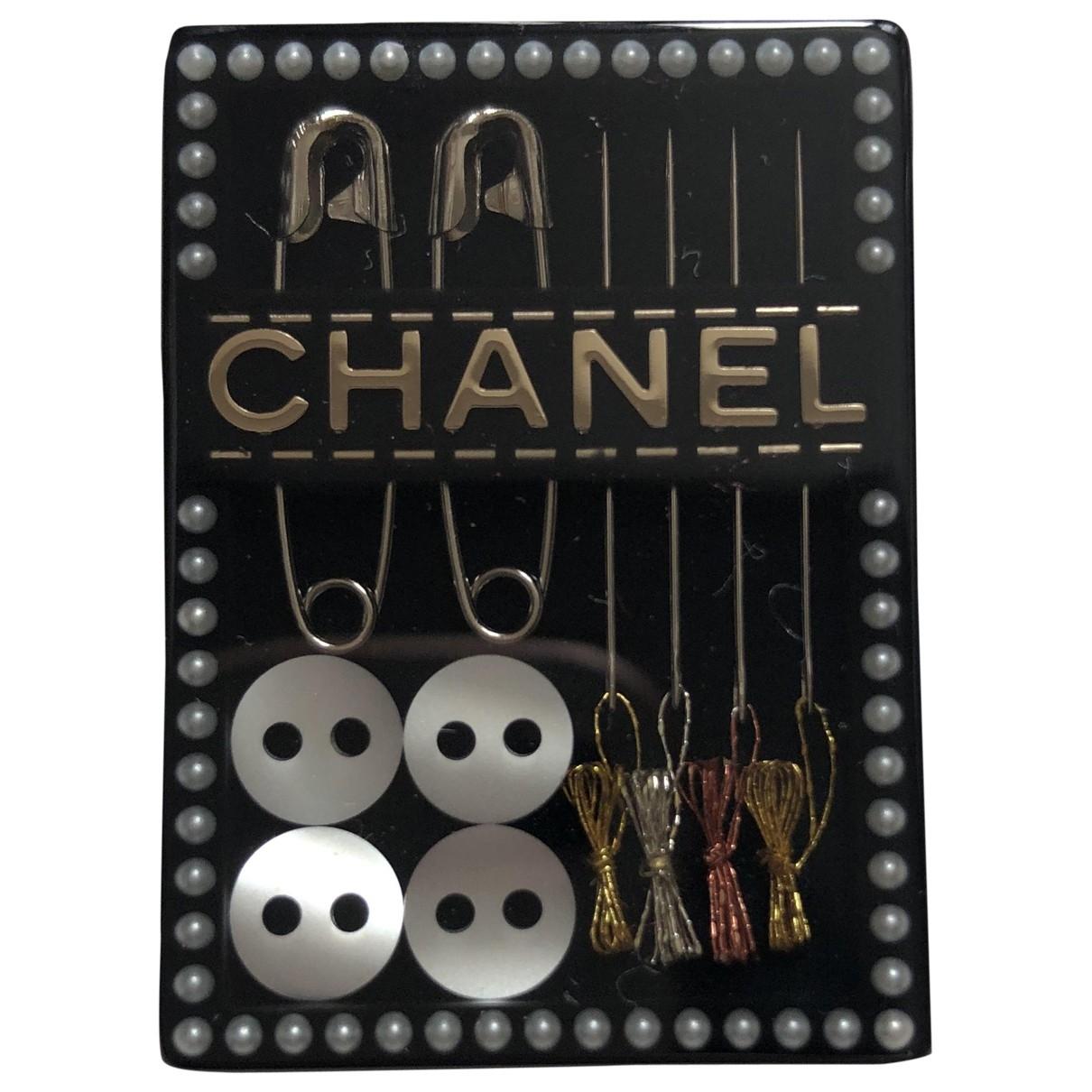Broche CHANEL en Plastico Chanel