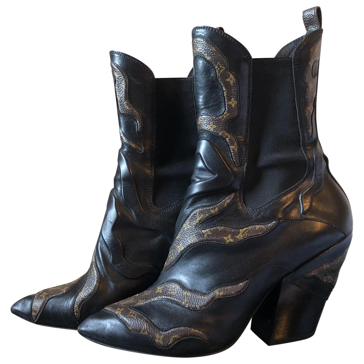 Louis Vuitton \N Black Cloth Ankle boots for Women 39 EU
