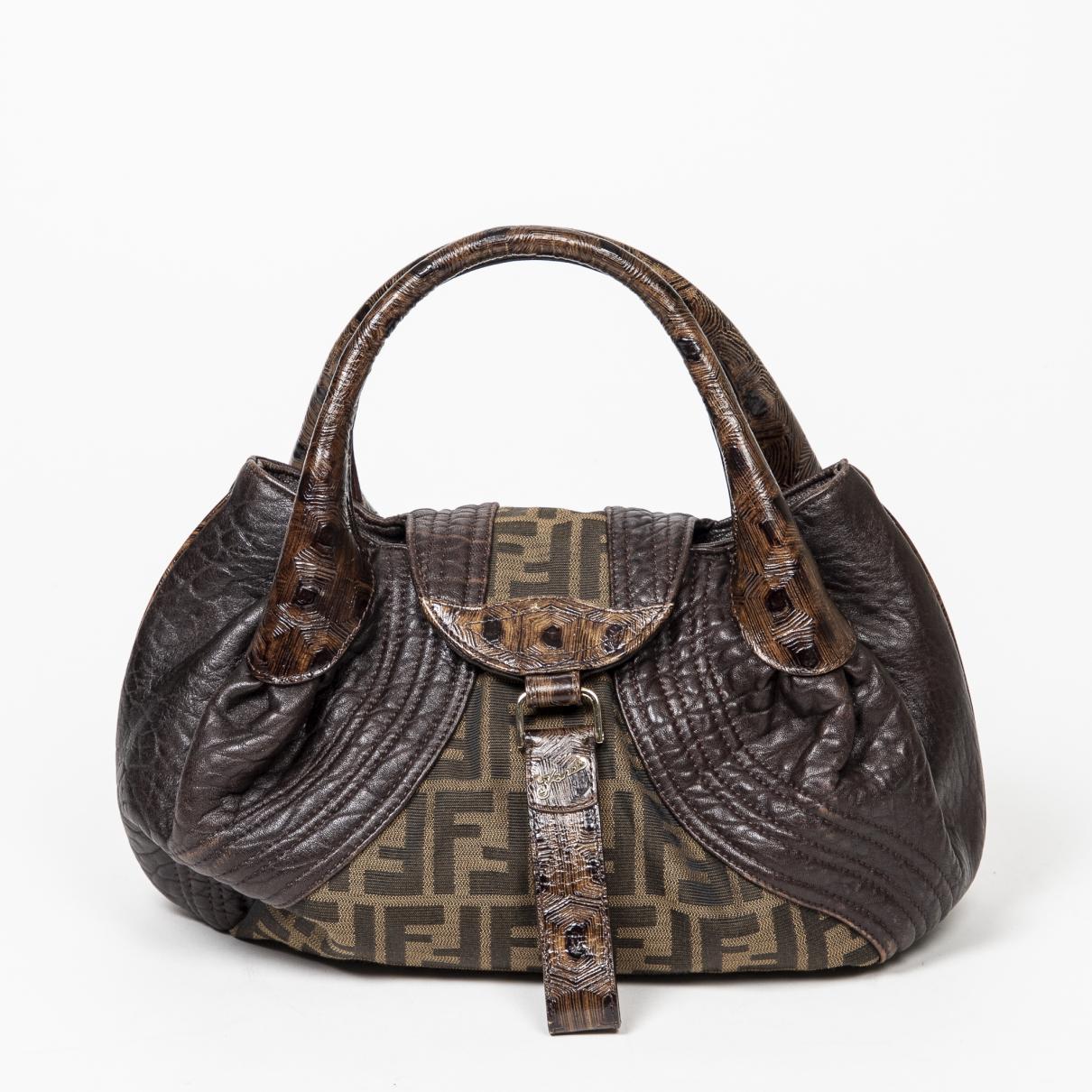 Fendi Spy Handtasche in  Braun Leder