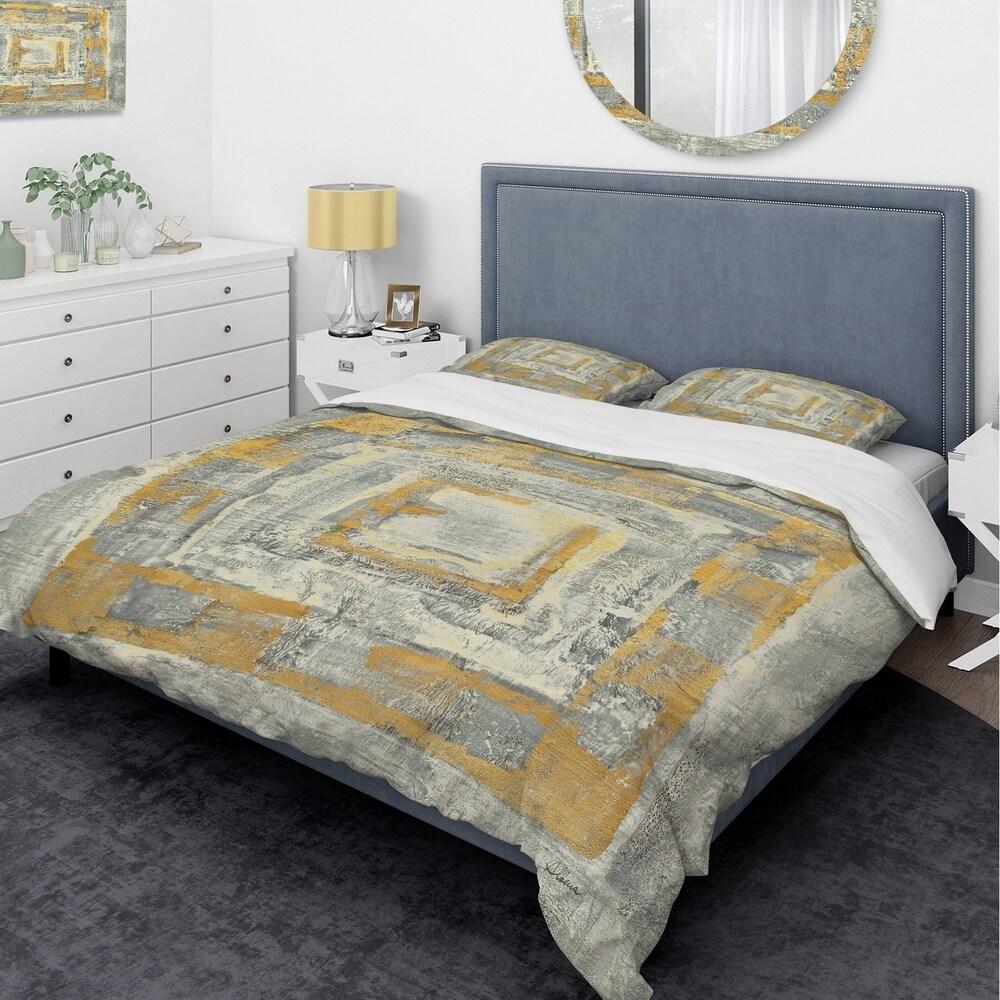 Designart 'Gold Glam on Grey Tapestry I' Glam Bedding Set - Duvet Cover & Shams (Twin Cover + 1 sham (comforter not included))