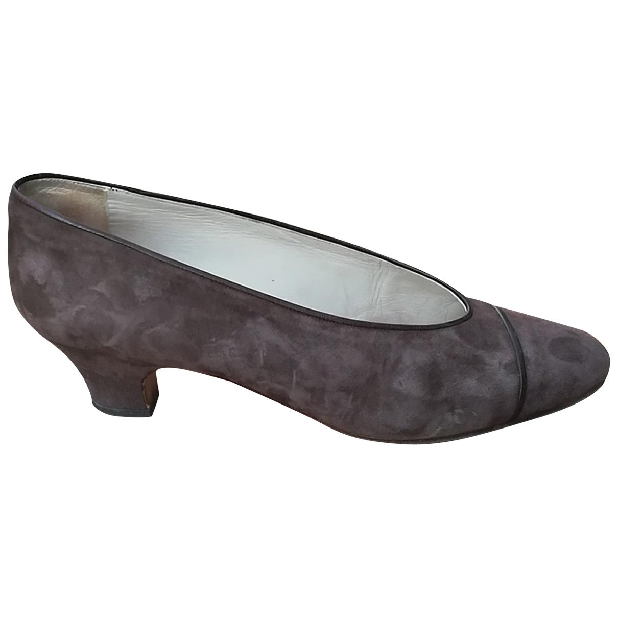 Chanel - Escarpins   pour femme en suede - marron