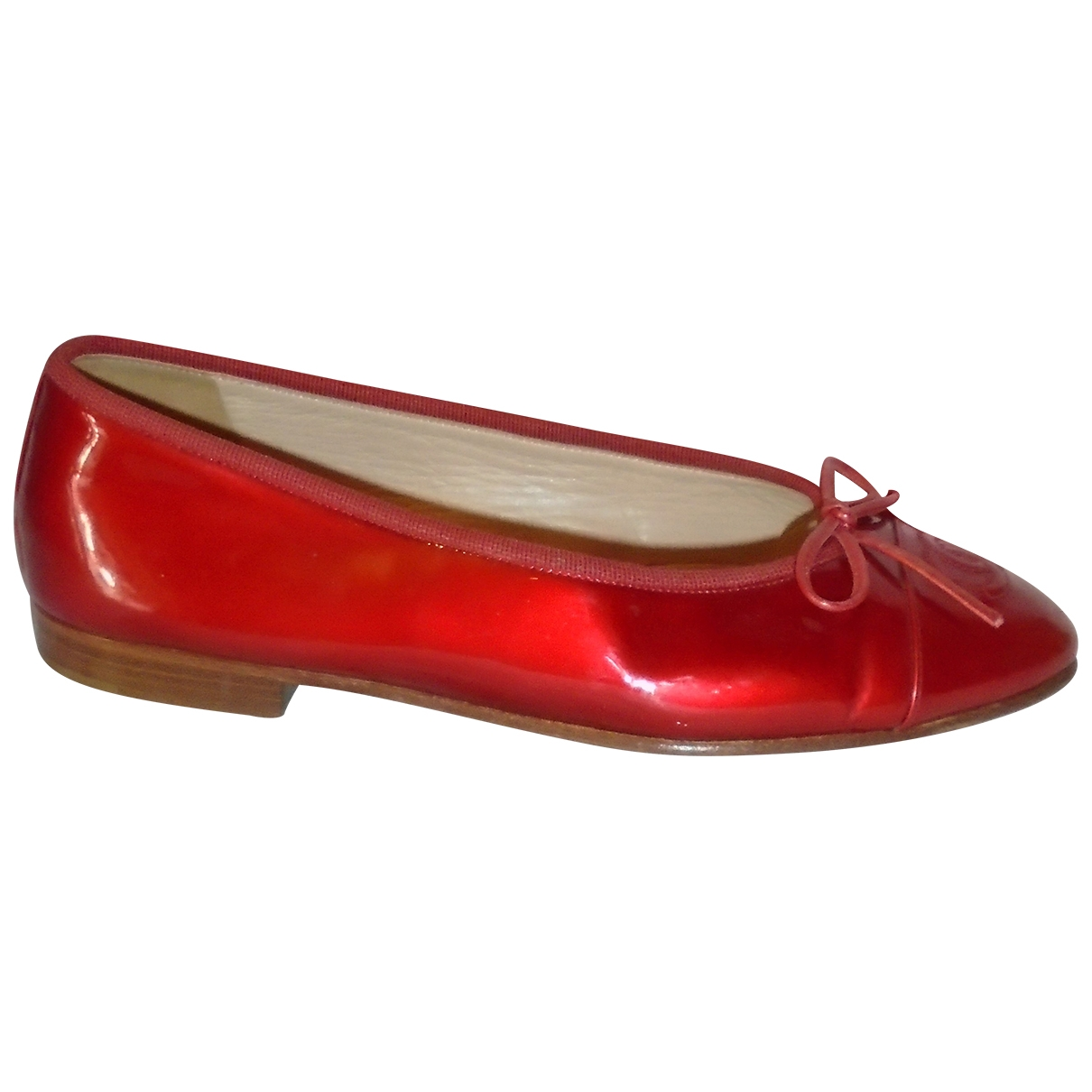 Chanel \N Red Patent leather Ballet flats for Women 35.5 EU