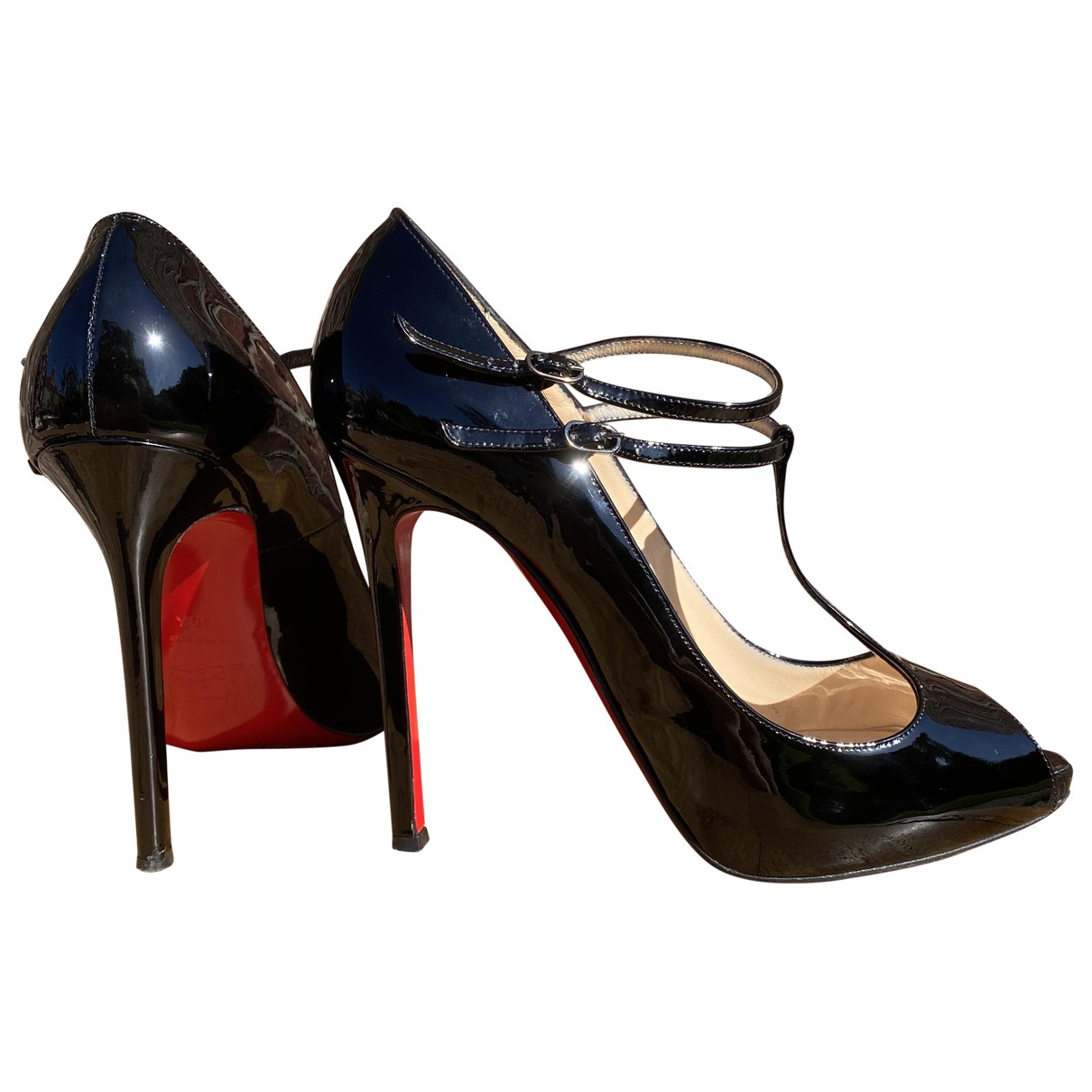 Christian Louboutin \N Pumps in  Schwarz Lackleder