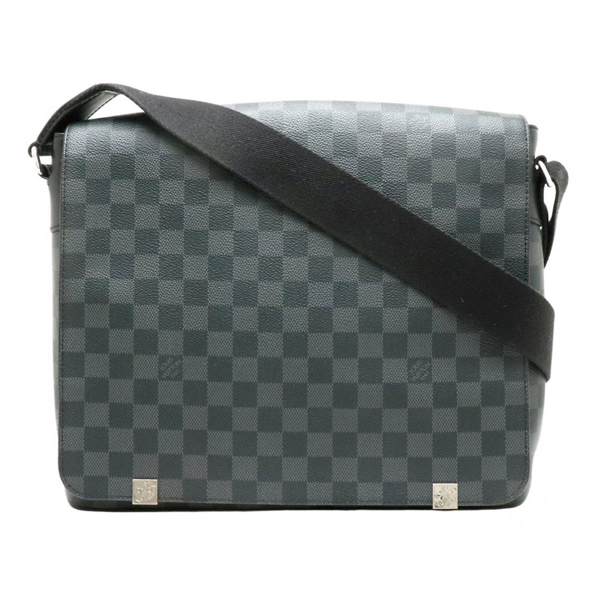 Louis Vuitton District Black Cloth bag for Men N